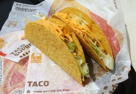 Pizza Hut, Taco Bell to remove artificial colors, flavors from foods