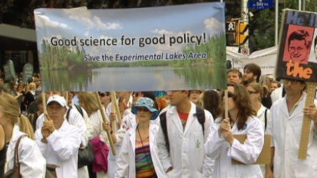 Scientists protest in Ottawa
