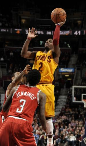Ellis leads Bucks past Cavaliers 90-86