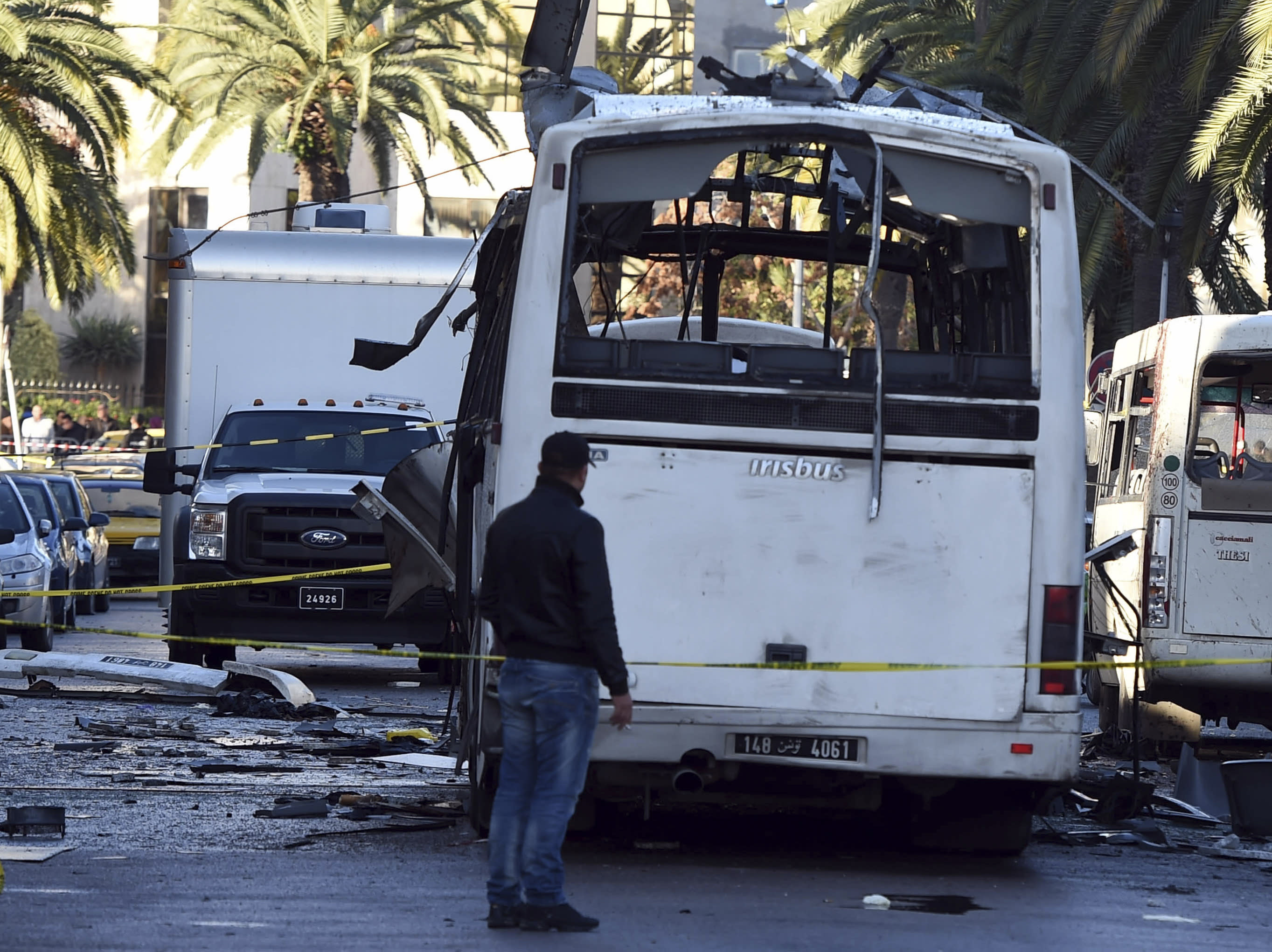 Tunisia detains 30, identifies bomber after attack
