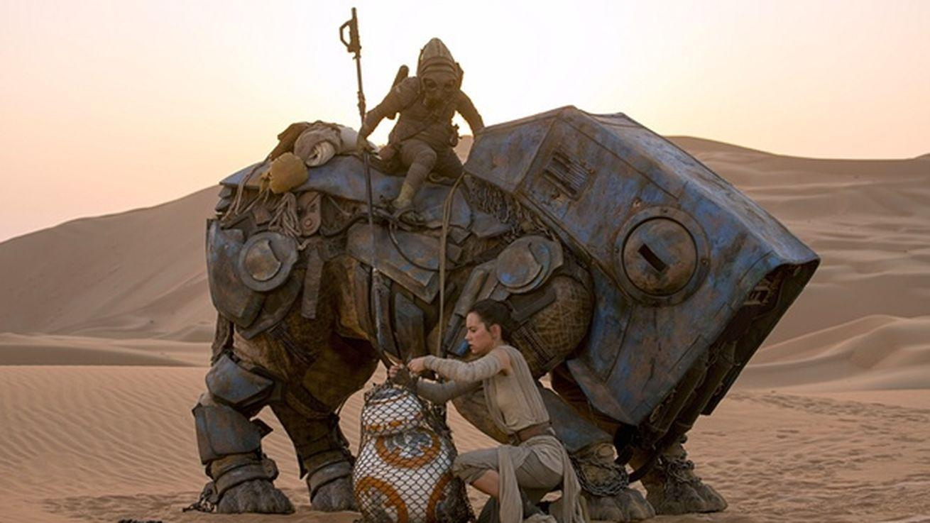 Star Wars: The Force Awakens helps Disney land record $2.9 billion quarter