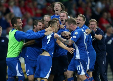 17516674 Outdoing Ronaldo: Jóhann Guðmundsson hits awesome hat trick in Iceland's 4 4 draw v Switzerland