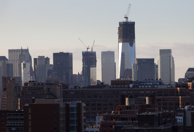 <p>               One World Trade Center, now 90 stories high and on its way to being the nation's tallest building, stands above the New York skyline, Monday, Jan. 30, 2012. The Port Authority of New York and New Jersey is aiming for a completion date in the fall of 2013. (AP Photo/Mark Lennihan)