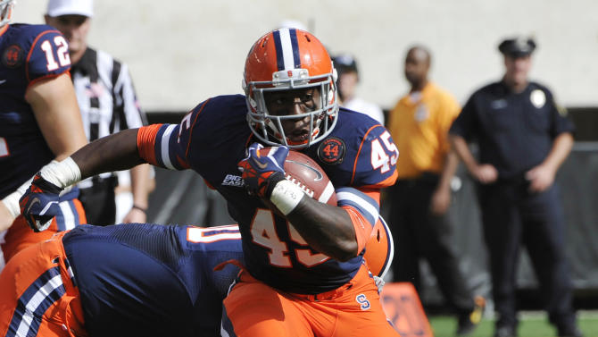 Syracuse running back Jerome Smith (45) breaks away from Southern California linebacker Hayes Pullard during the first quarter of an NCAA college football game Saturday, Sept. 8, 2012, in East Rutherford, N.J. (AP Photo/Bill Kostroun)