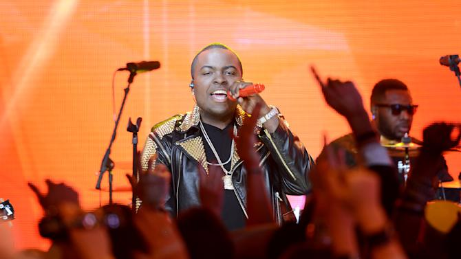 """Sean Kingston performs during """"MTV's Club NYE 2013"""" at the MTV Times Square Studios on Monday, Dec. 31, 2012 in New York.(Photo by Scott Gries/Invision for MTV/AP Images)"""