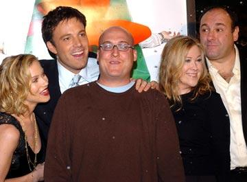 Premiere: Christina Applegate, Ben Affleck, director Mike Mitchell, Catherine O'Hara and James Gandolfini at the Hollywood premiere of Dreamworks' Surviving Christmas - 10/14/2004 Photos: www.wireimage.com/
