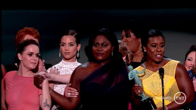 SAG Awards 2015: Uzo Aduba and 'Orange Is the New Black' Cast Defeat 'Modern Family'!