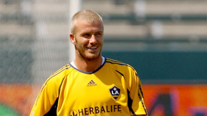 CARSON, CA - JULY 16: Football star David Beckham working out at the Los Angeles Galaxy and Chelsea FC Open Media Training Session at the Home Depot Center on July 16, 2007 in Carson, California. (Photo by Gregg DeGuire/WireImage)