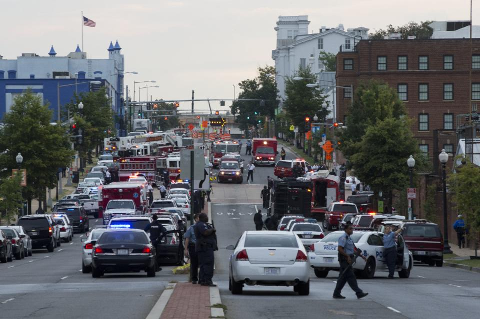 Shots fired at Washington Navy Yard