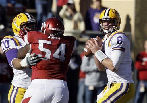 Landry, No. 8 LSU hold off Arkansas 20-13