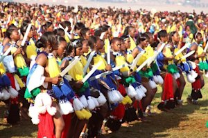 Unmarried Swazi women dance for King Mswati III at …