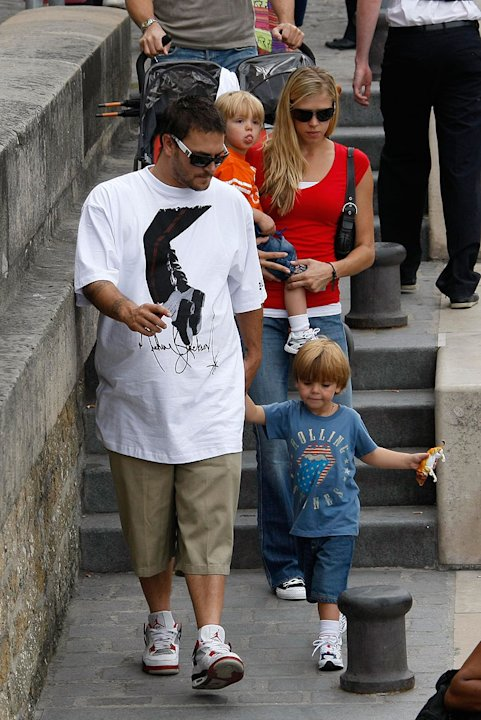 K Federline W Kids In Paris