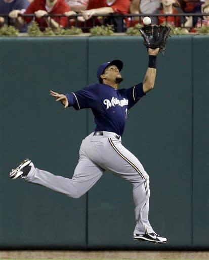 Bianchi's single in 10th lifts Brewers over Cards