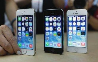 Apple Overtakes Samsung as the World's No. 1 Smartphone Seller