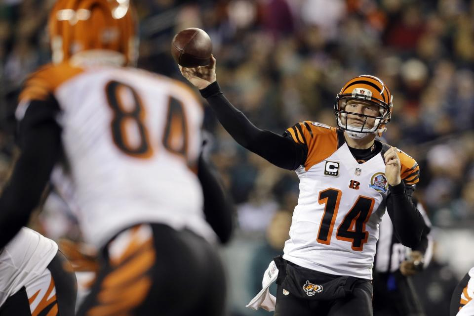 Cincinnati Bengals' Andy Dalton passes in the first half of an NFL football game against the Philadelphia Eagles, Thursday, Dec. 13, 2012, in Philadelphia. (AP Photo/Mel Evans)