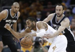 Leonard's 3-pointer gives Spurs 96-95 win