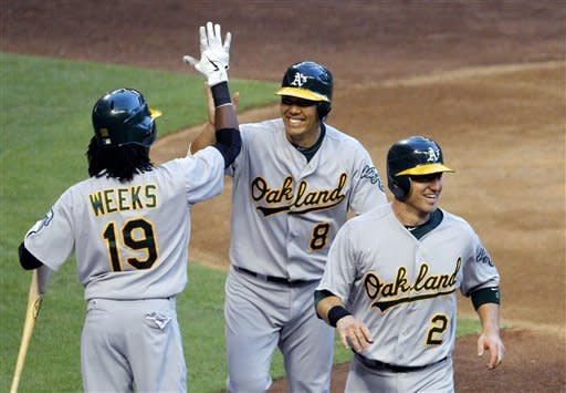 Roberts' HR in 9th gives Arizona win over A's