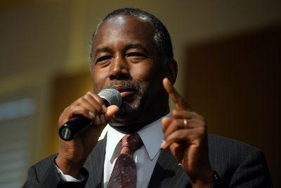 Why Ben Carson's comments about the Oregon shooting are ridiculous