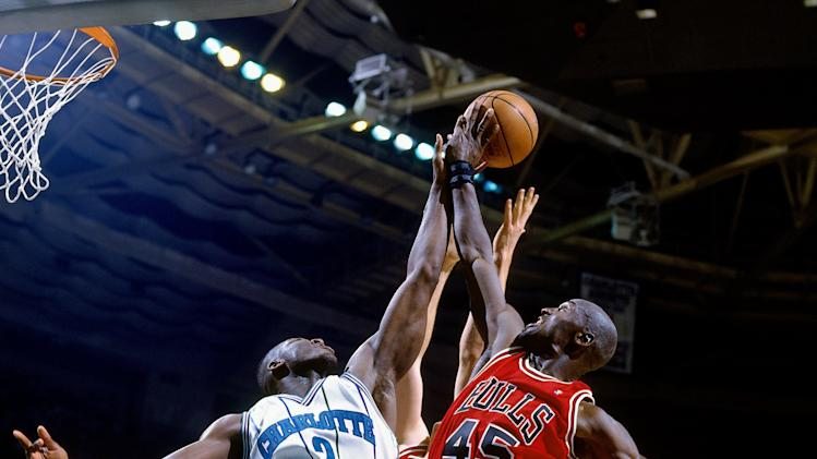 1995 Eastern Conference Quarterfinals, Game 2: Chicago Bulls vs. Charlotte Hornets