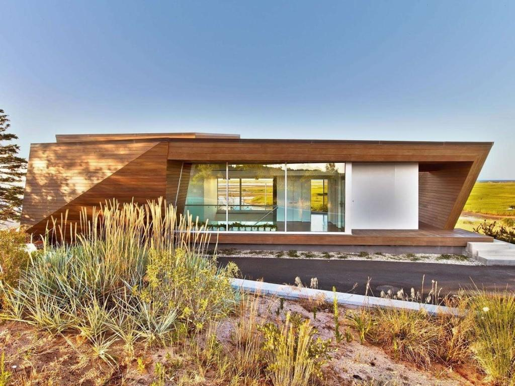 10 Ultra-Modern Homes Fit for the 'Hunger Games' Capitol