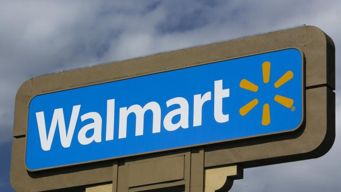 Wal-Mart looks to shake winter with sales push