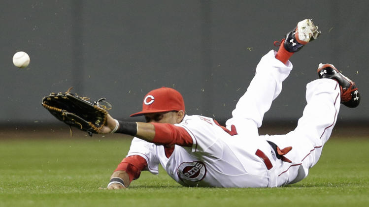 Reds break record slump, beat Cardinals 1-0 in 9th