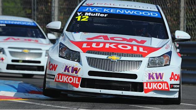 WTCC - Muller leads Chevy 1-2-3-4 in Porto