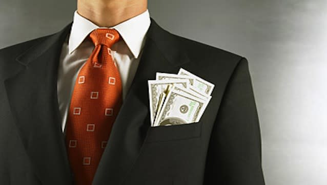 Paying CEOs fat bonuses for stock performance doesn't work — Cornell study