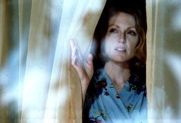 Julianne Moore as Laura Brown in Paramount Pictures and Miramax Films' The Hours