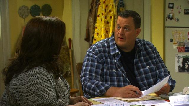 Mike and Molly - Shoeless Molly Flynn (Sneak Peek)