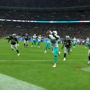 Miami Dolphins quarterback Ryan Tannehill finds tight end Dion Sims for 18-yard TD