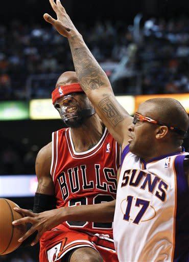 Boozer helps Bulls outlast Suns 112-106 in OT