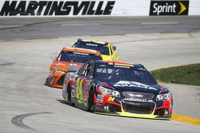 Jeff Gordon blunders, throws away potential Martinsville win