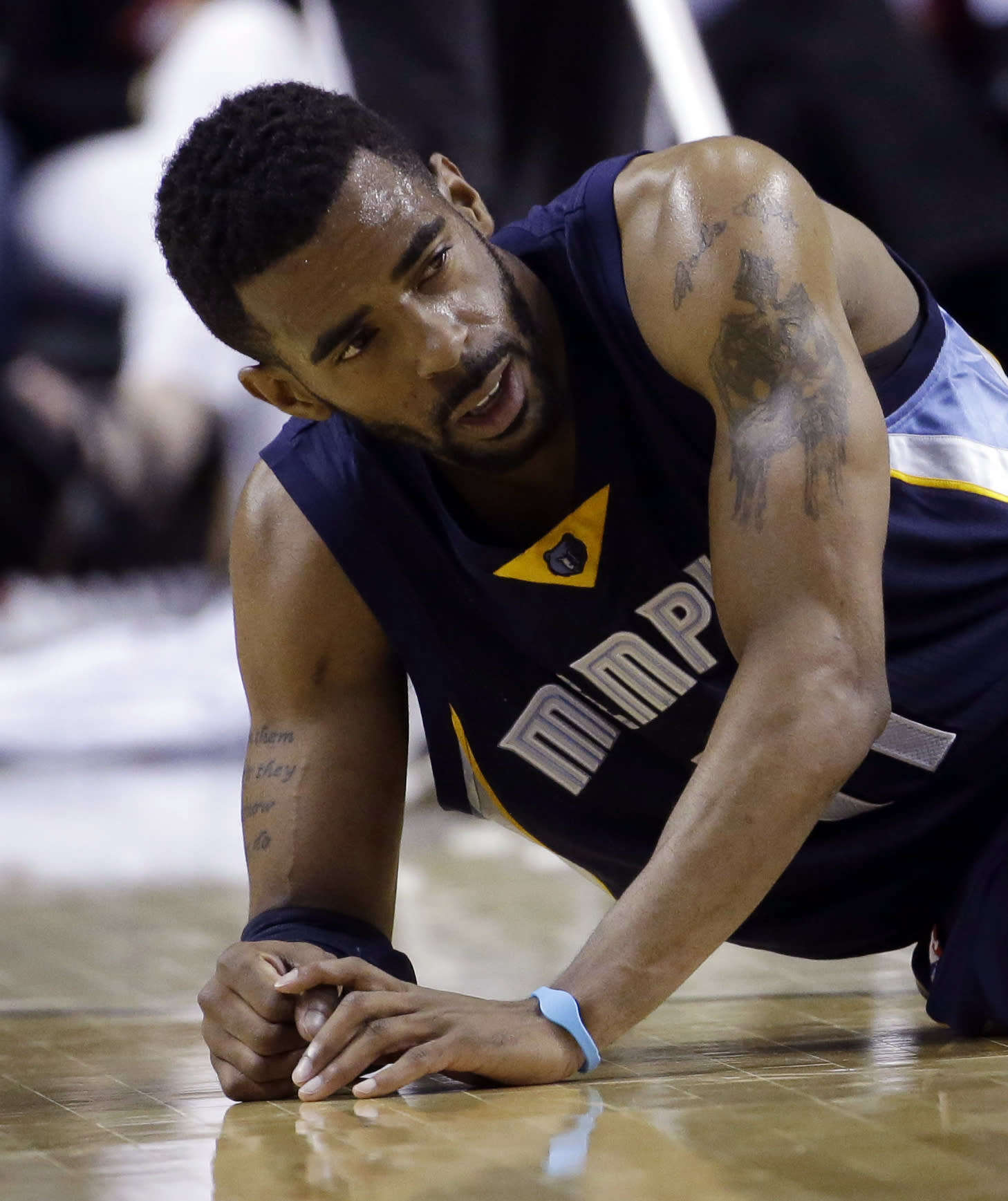 Grizzlies, Bulls wary even with big leads in playoffs