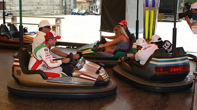 Drivers warm up in bumper cars for Porto (WTCC)