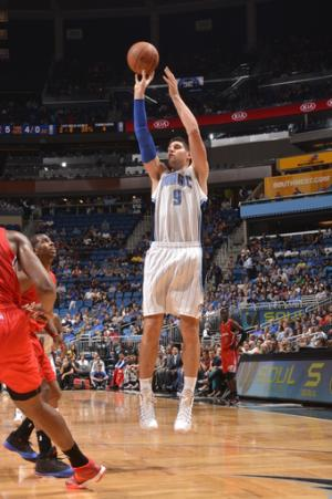 Vucevic scores 30, Magic hold off Clippers 98-90