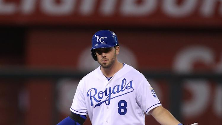 Stuck in limbo, Royals stand pat at trade deadline