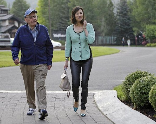 File photo rupert murdoch and his wife wendi arrive at the allen