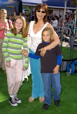 Premiere: Katey Sagal and kids at the L.A. premiere of Dreamworks' Shrek 2 - 5/8/2004