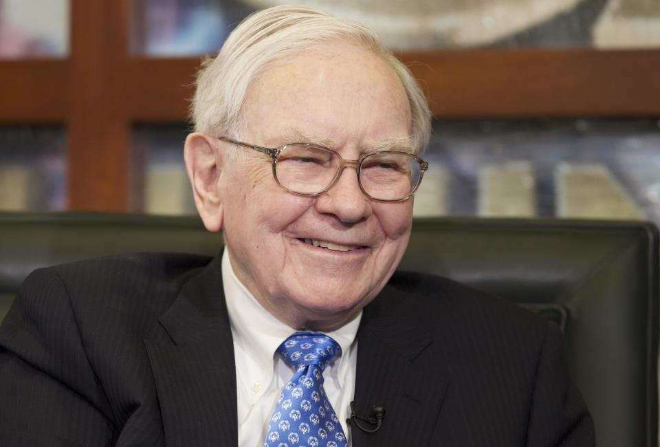 Buffett charity lunch sold for $1 million-plus