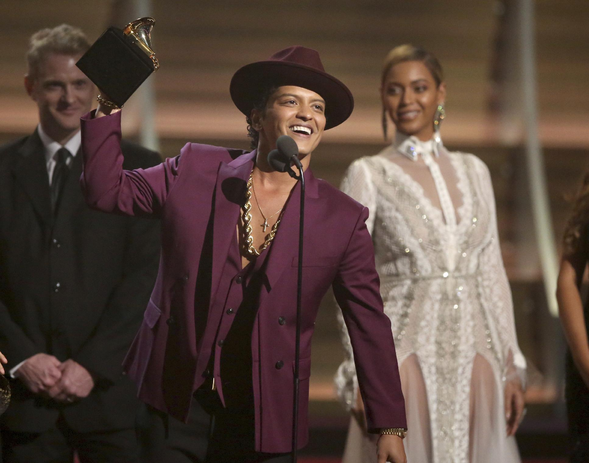 Bruno Mars is pop's ultimate party boy with hit '24K Magic'