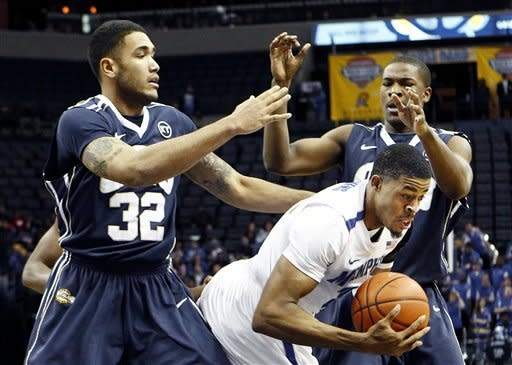 Barton leads Memphis past Oral Roberts 72-57
