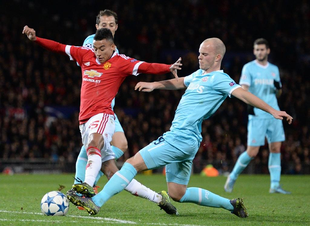 Van Gaal worried by United's attacking woes
