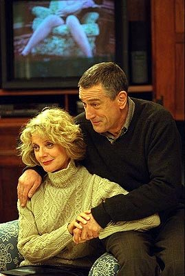 Dina ( Blythe Danner ) and Jack Byrnes ( Robert De Niro ) in Universal's Meet The Parents
