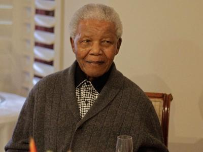 Mandela Back in Hospital With Lung Infection