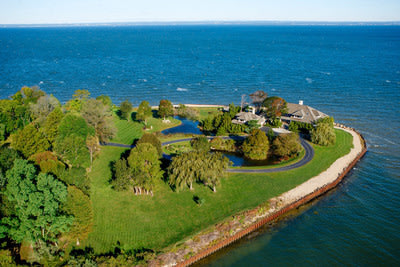 Luxury AUCTION June 28, 2014! This 4-acre, point lot estate in the ultra-exclusive Village of Centre Island in Oyster Bay, New York will be sold at a ...