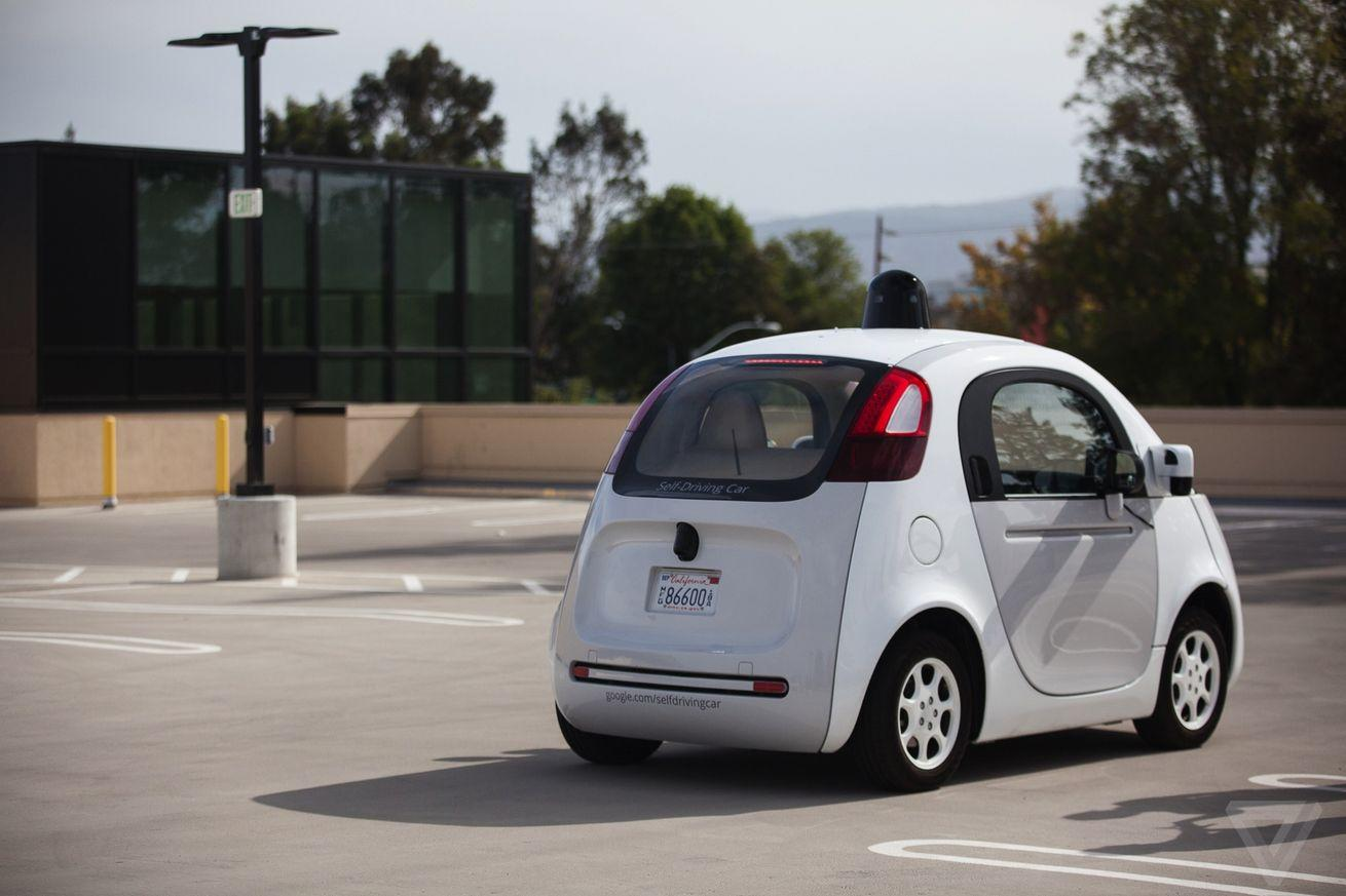 It looks like Google wants to charge its self-driving cars wirelessly