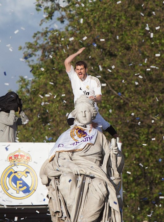 Iker Casillas Of Real Madrid Climbs A Statue At Cibeles On May 3, 2012, In Madrid, Spain. Real Madrid Are Celebrating Getty Images
