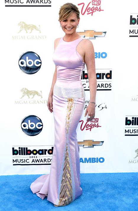Jennifer Nettles Shows Off Slim, Stunning Post-Baby Body at Billboard Music Awards