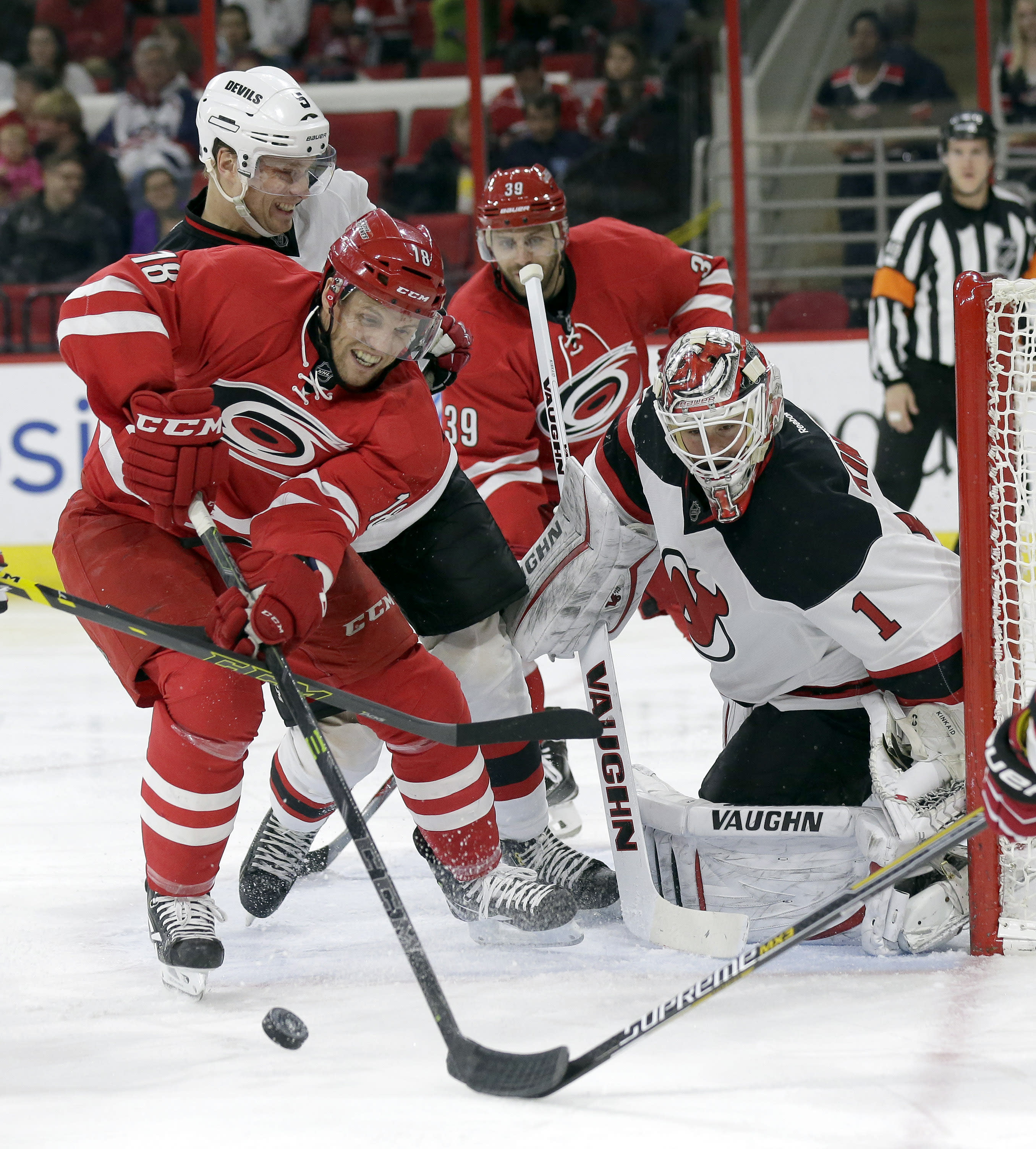 Staal, Faulk score in 3rd, lead Hurricanes past Devils 3-1